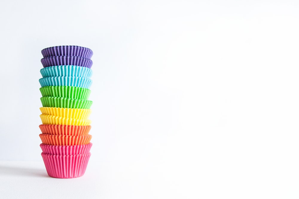multi colored plastic straw cup