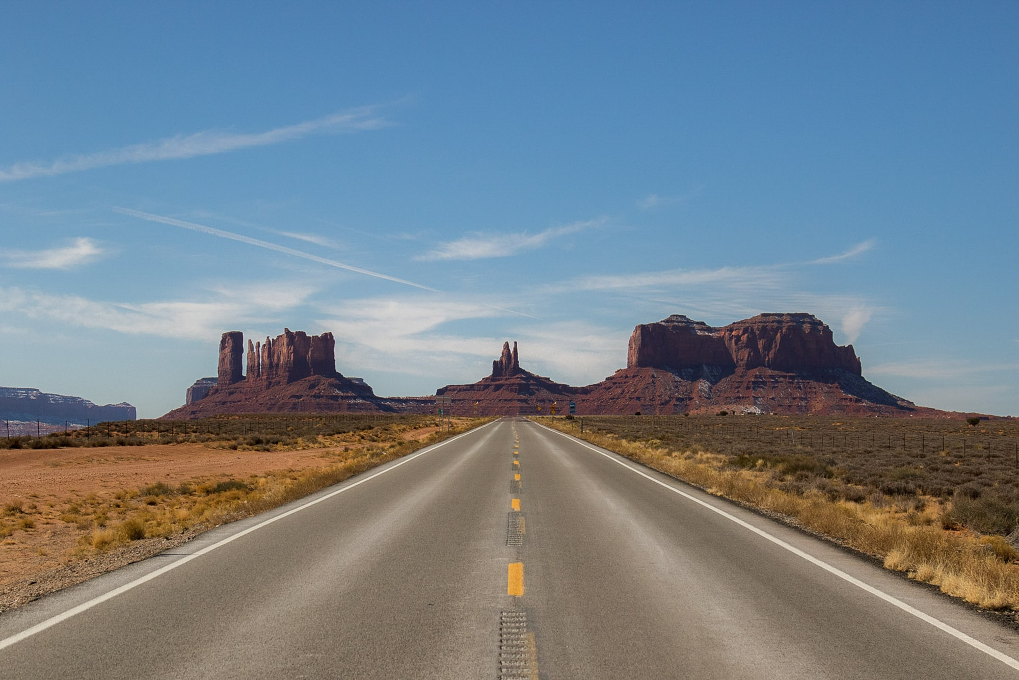 The iconic road to Monument Valley