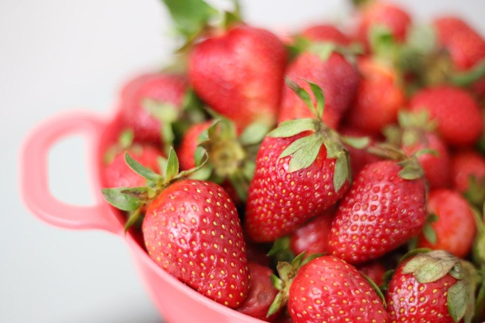 red strawberries in white ceramic bowl photo – Free Zanjan Image on Unsplash