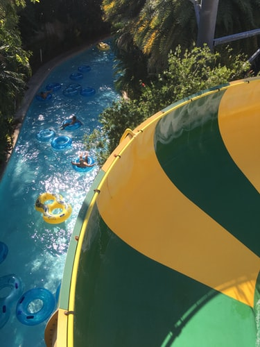 Lazy river pool at Aquatica in Orlando