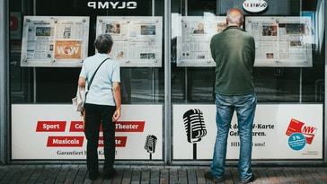 80% of readers only scan headlines. This makes headlines a magnet for eyeballs. Here are 13 tips and examples to craft a perfect headline!