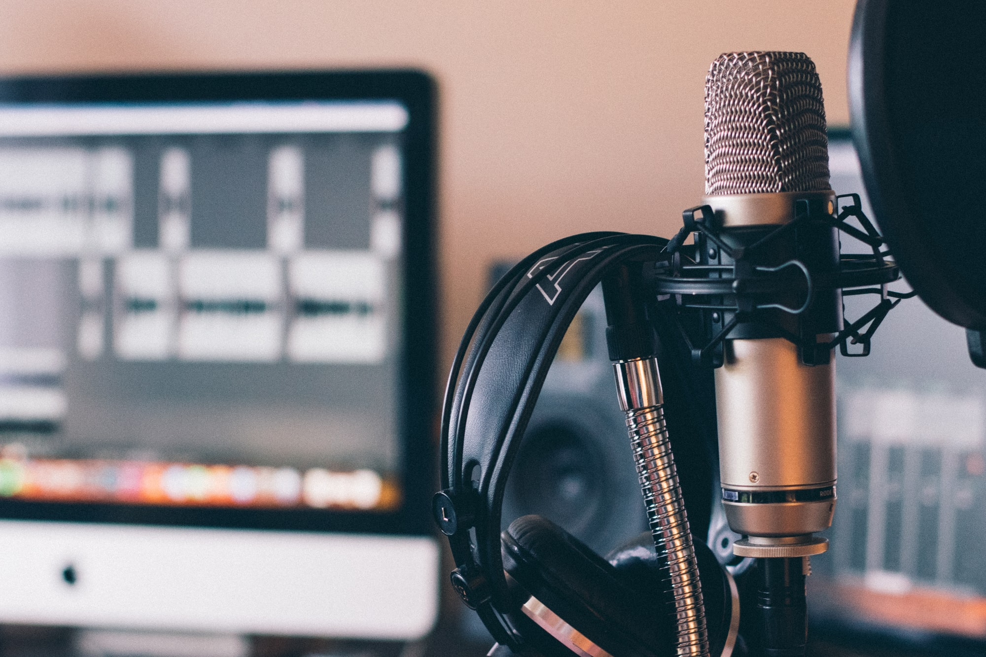 Random Podcasting Tips
