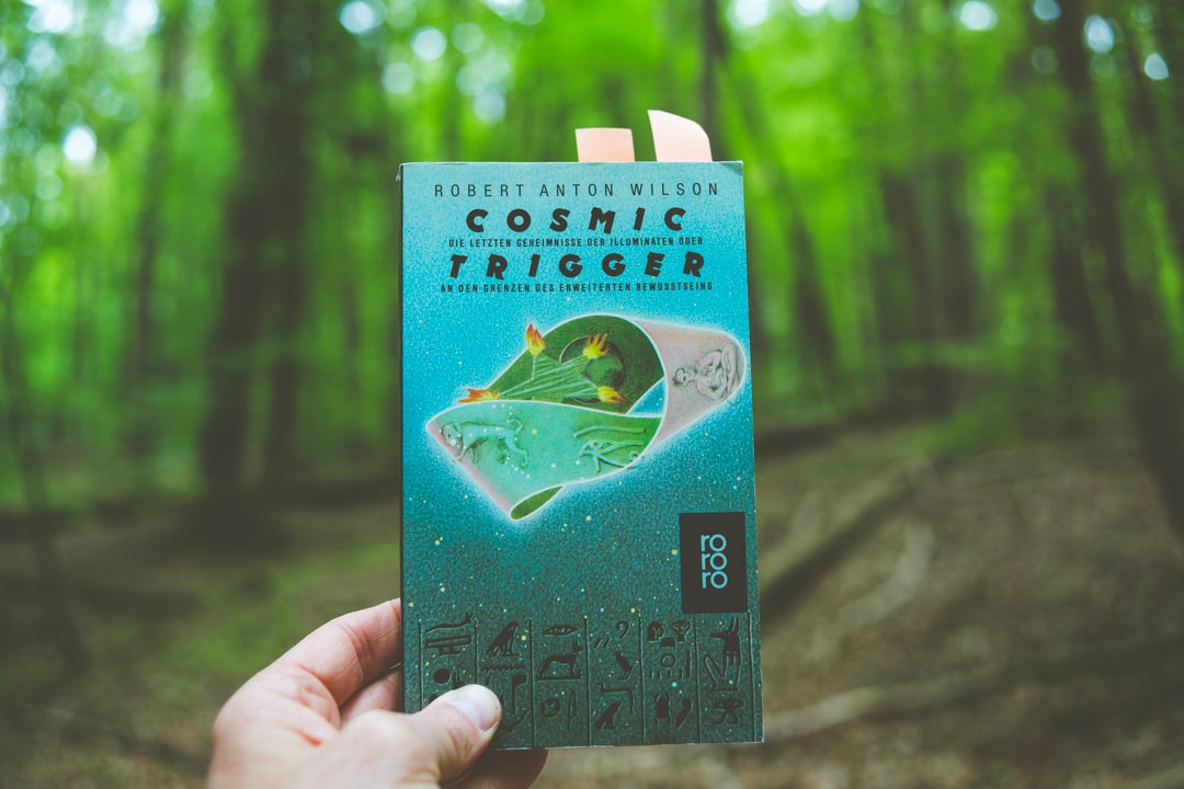 Cosmic Trigger –Robert Anton Wilson. Made with Canon 5d Mark III and analog vintage lens, Leica Summicron-R 2.0 35mm (Year: 1978)