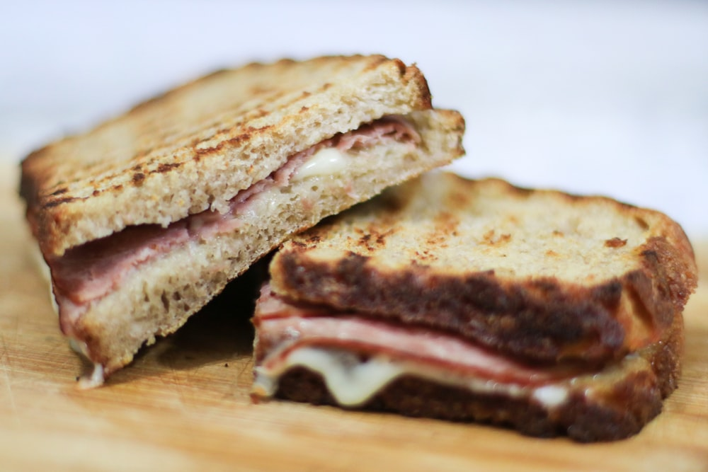 sliced bread with ham and cheese