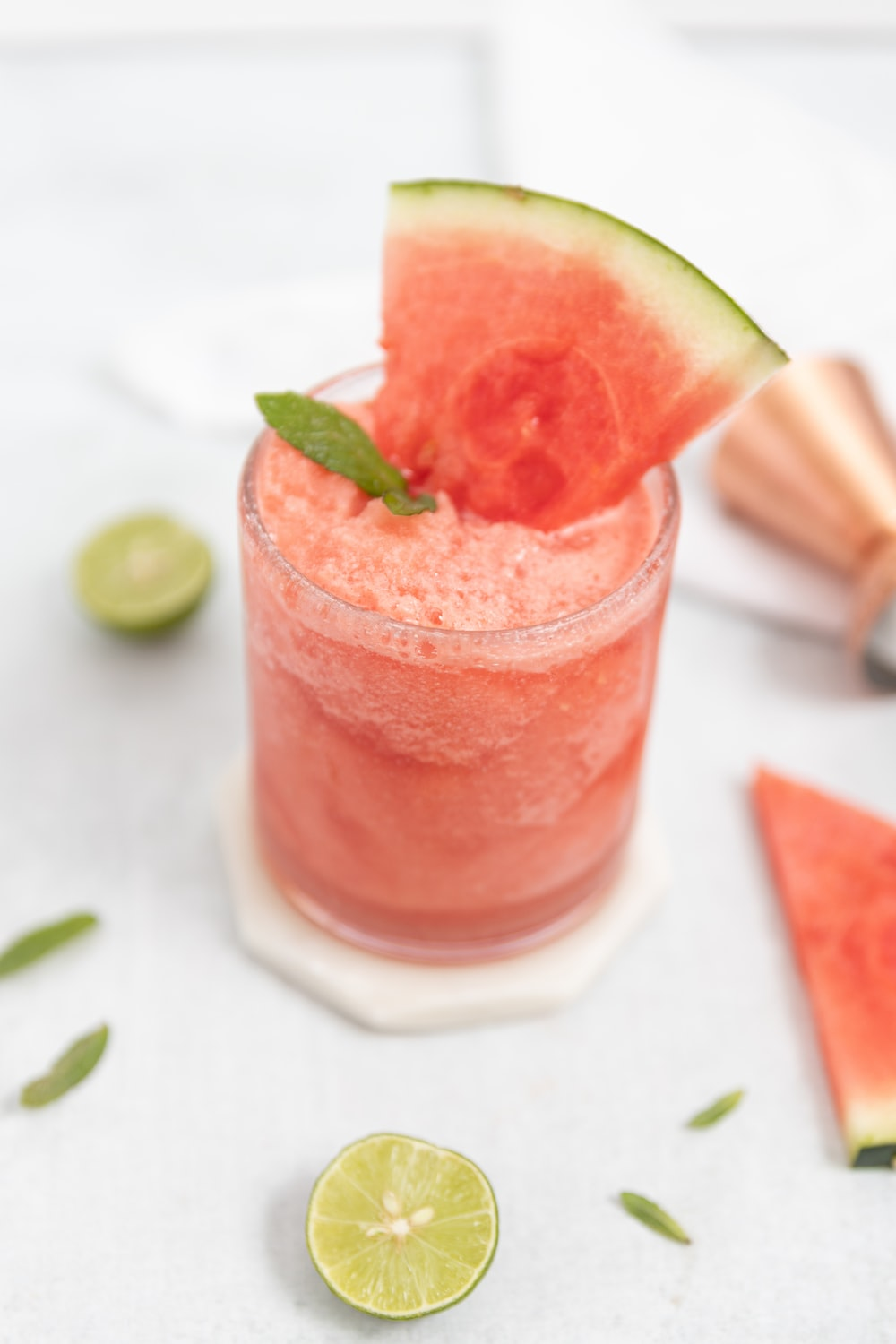 strawberry shake on clear drinking glass