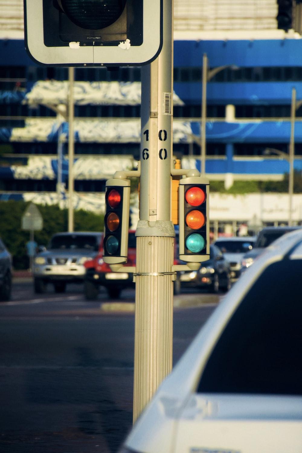 traffic light on red light