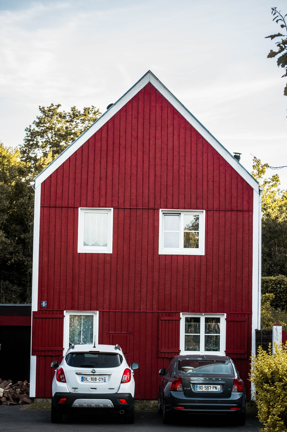red and white barn house
