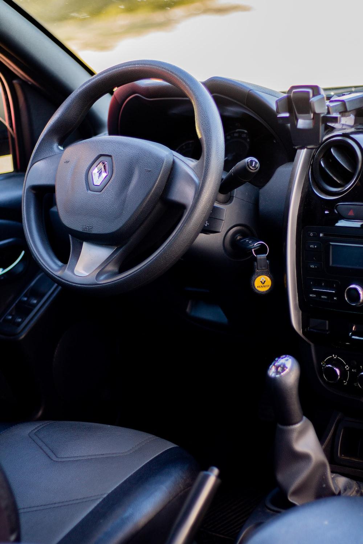black honda car steering wheel