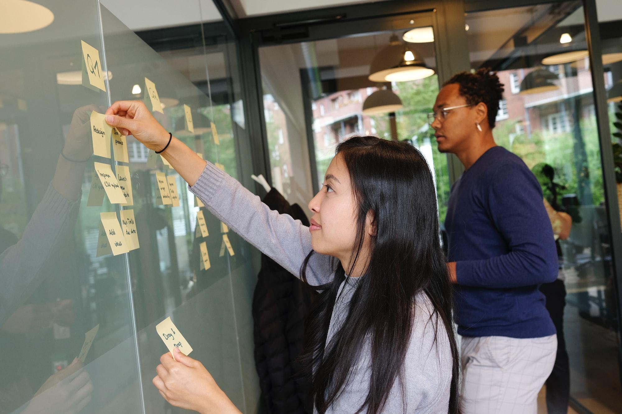 How Sendinblue And lemlist Are Building Global SaaS Brands
