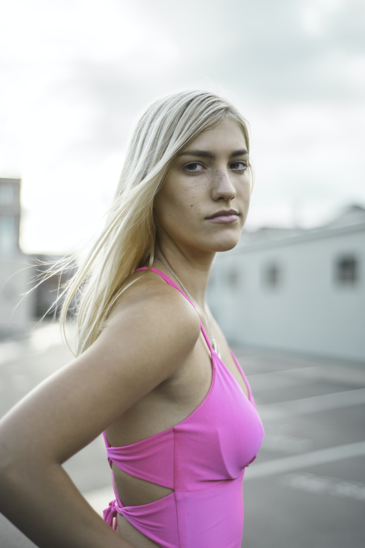 woman in pink tank top
