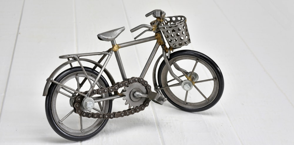 black and silver cruiser bicycle