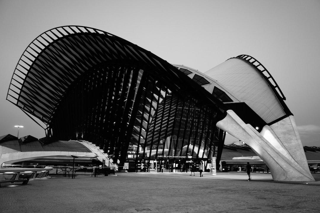 Gare de Lyon Saint-Exupéry - Lyon airport