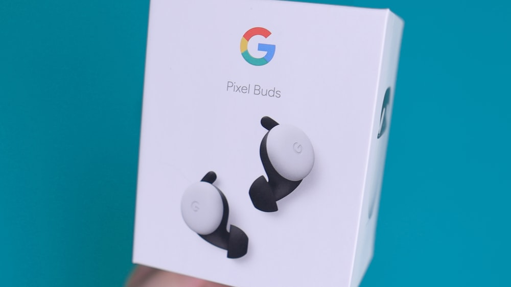 white apple earpods with box