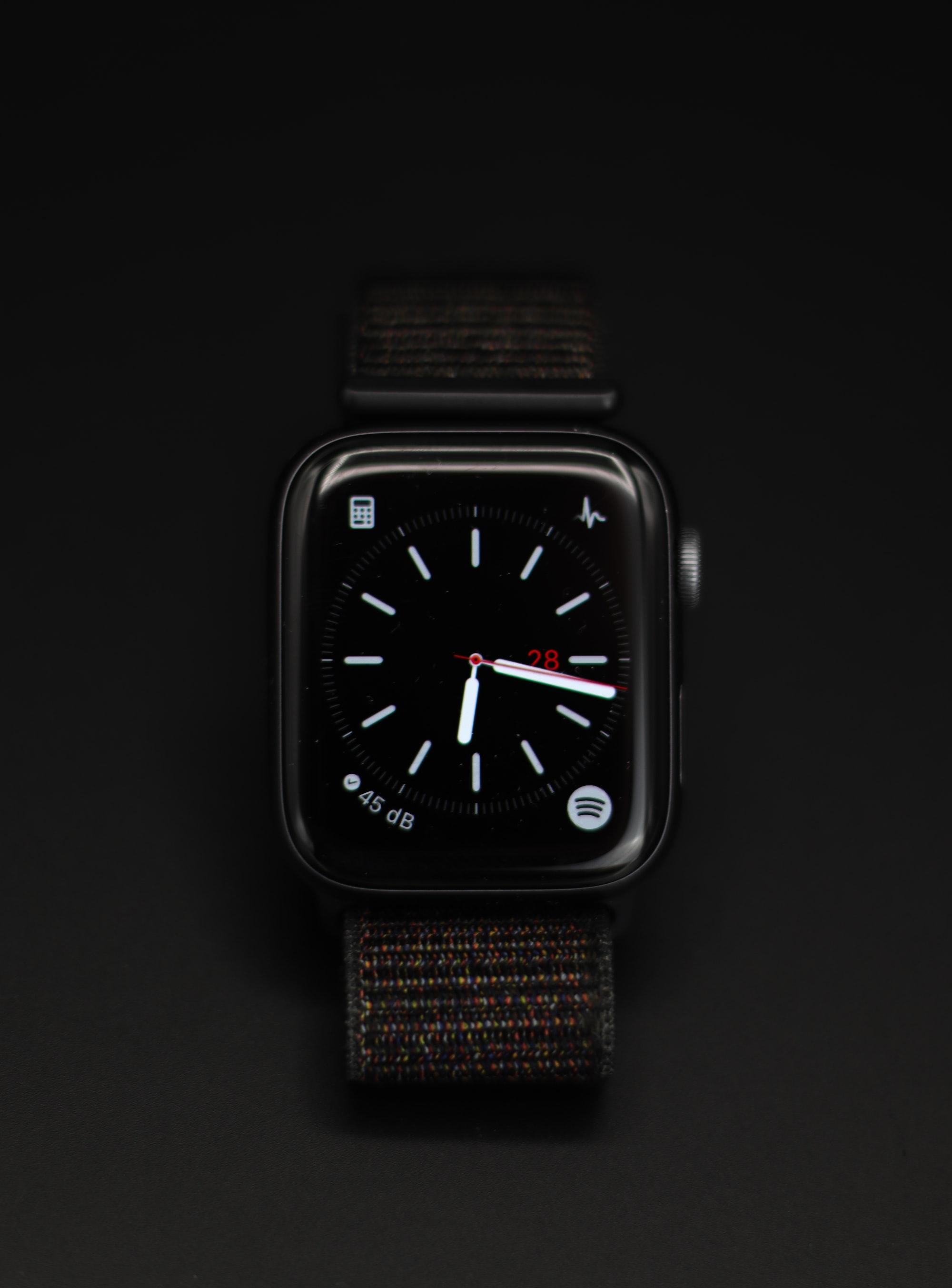 Descobre como podes partilhar os teus mostradores com o watchOS 7