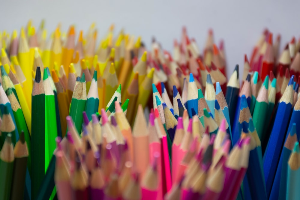 close up photography of colored pencils