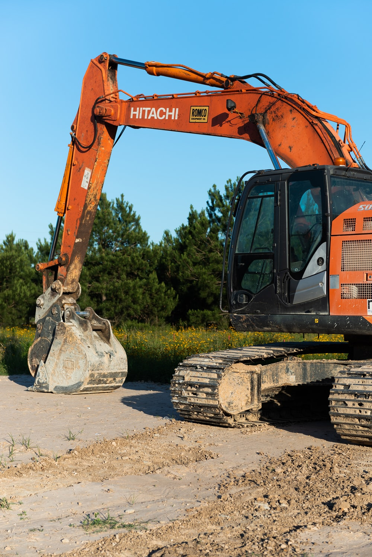 orange and black heavy equipment