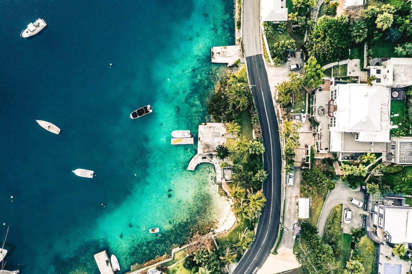 A street running by the ocean in Bermuda