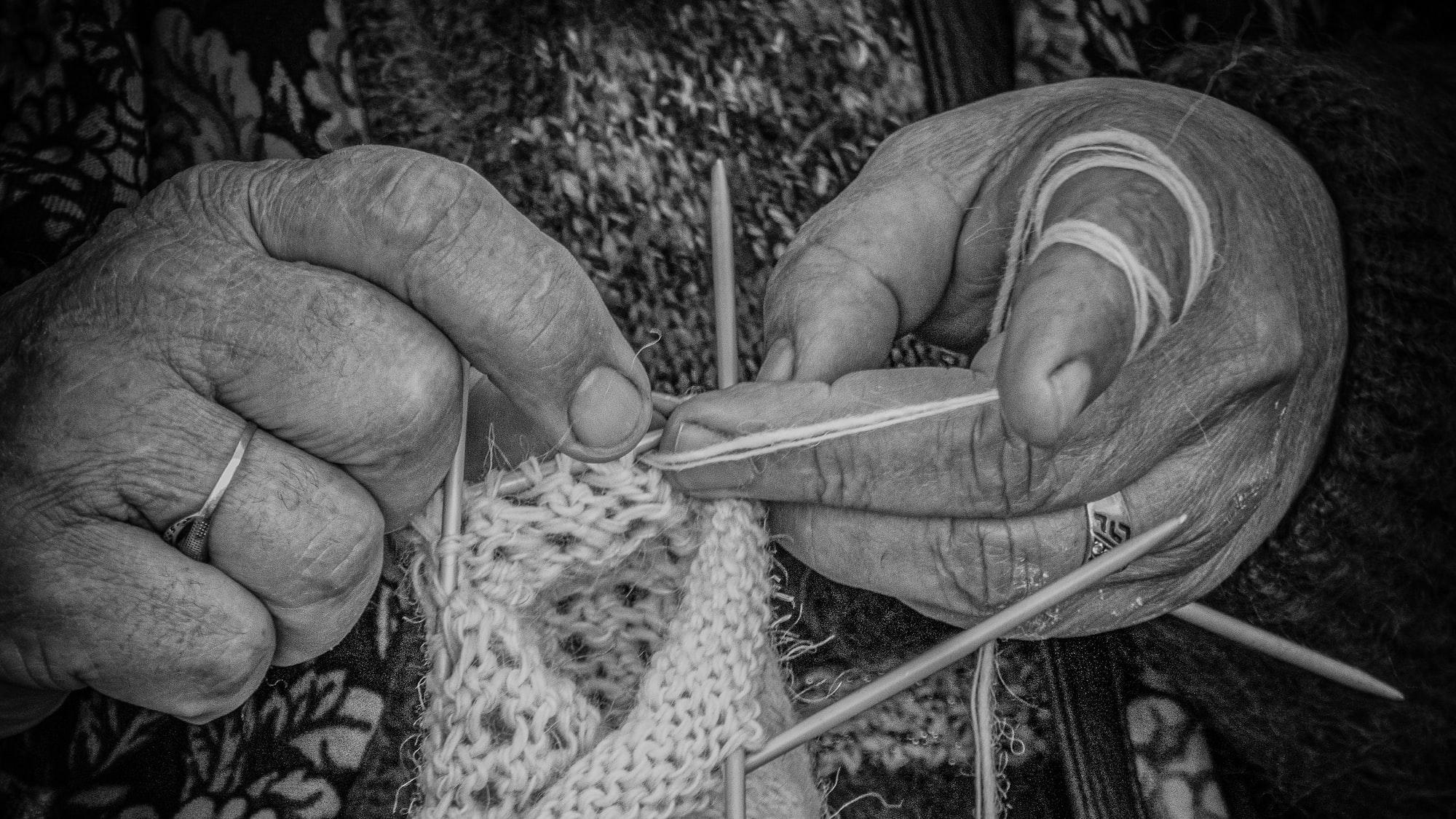 Lavorare a maglia con due fili