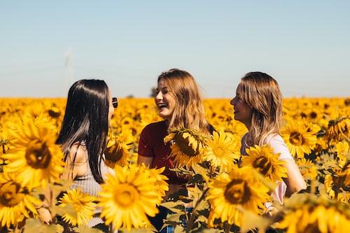 girls with three frein