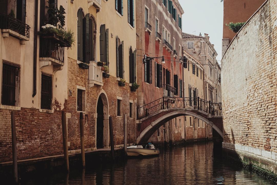 Venice Canals - unsplash