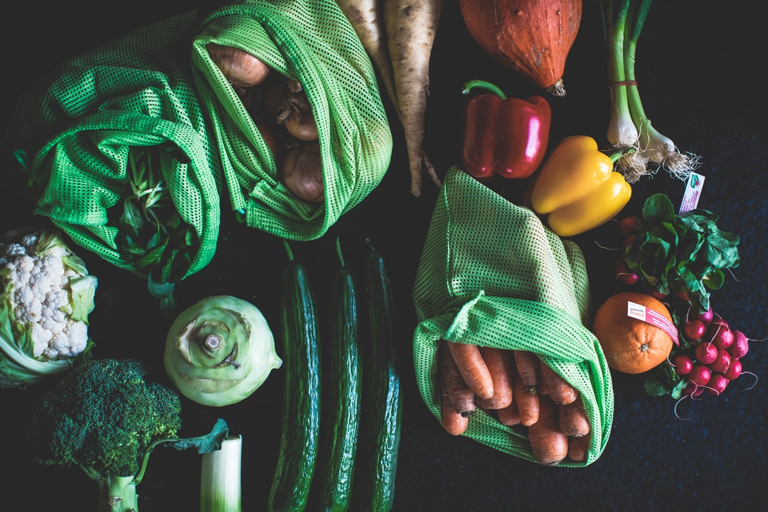 Zero Waste Lifestyle – Shop Fresh Bio Vegetables Directly With Your Cotton Mesh Bag At the Farmers Market Without Plastic – No Plastic - unsplash
