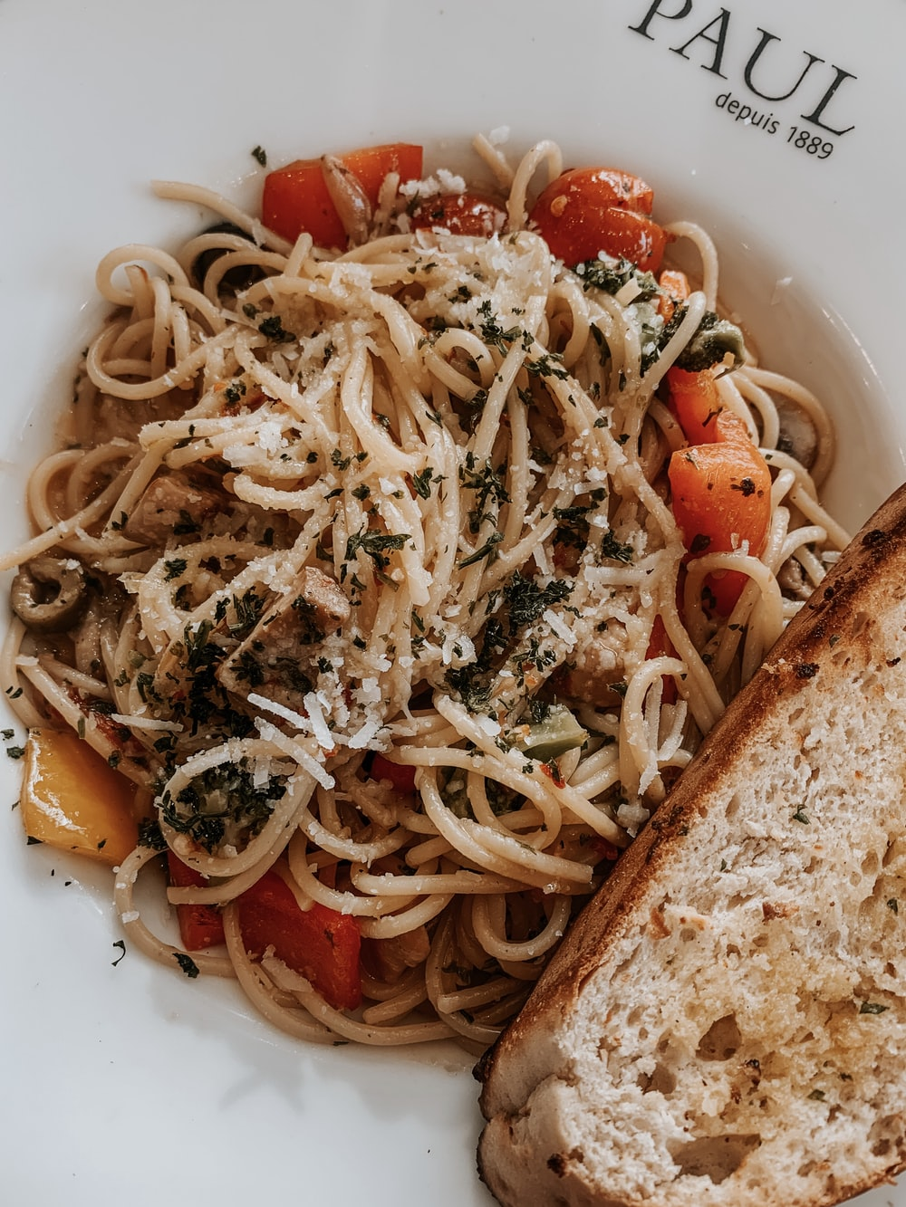 pasta with tomato sauce and bread