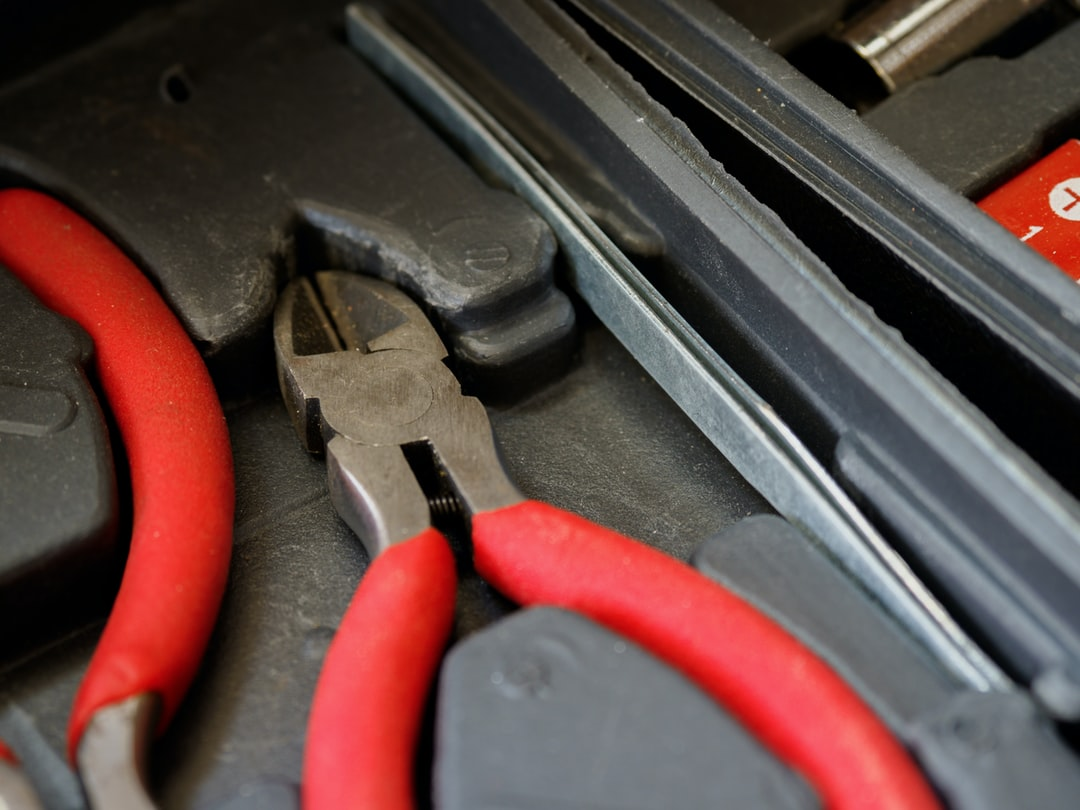 close up, bokeh, macro, blur, blurred background, close focus, household items, tools, pliers,