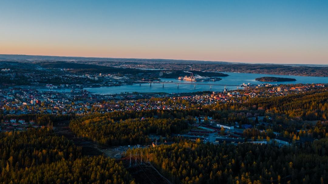 Sweden passes 3,000 coronavirus deaths as Scandinavian nation becomes battleground for lockdown debate
