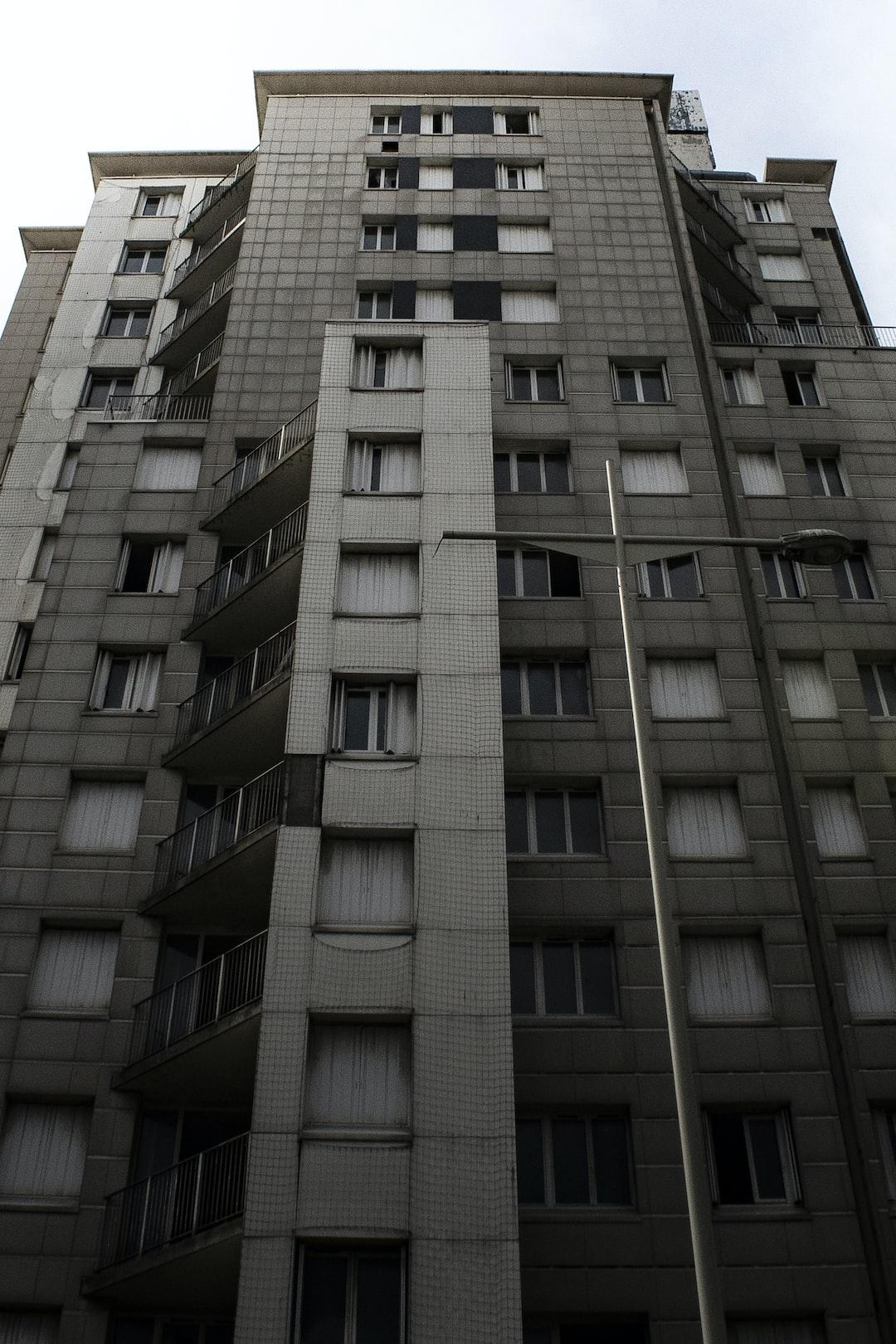 Concrete tower