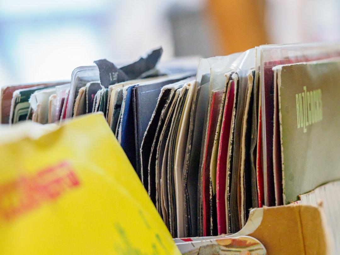 close up, bokeh, macro, blur, blurred background, close focus,  vinyl, record, record sleeve,