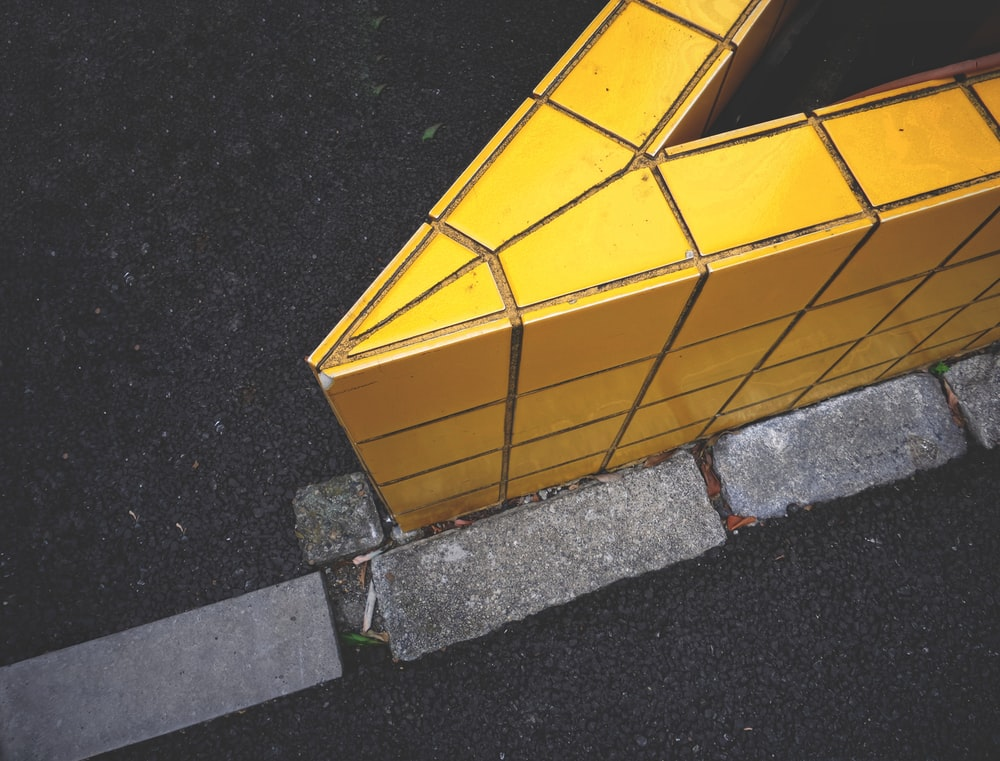 yellow and brown concrete blocks