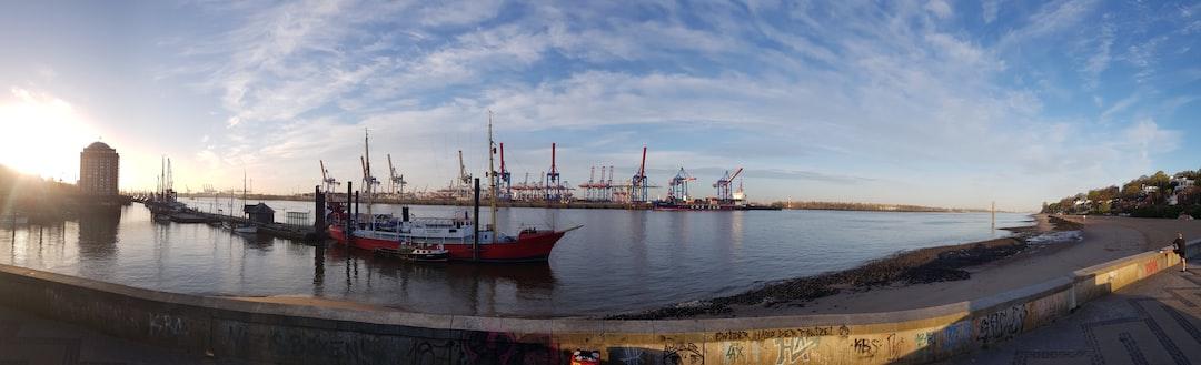 Hafen, Hamburg, Elbe, Elbstrand, Hafenkräne, Morgen