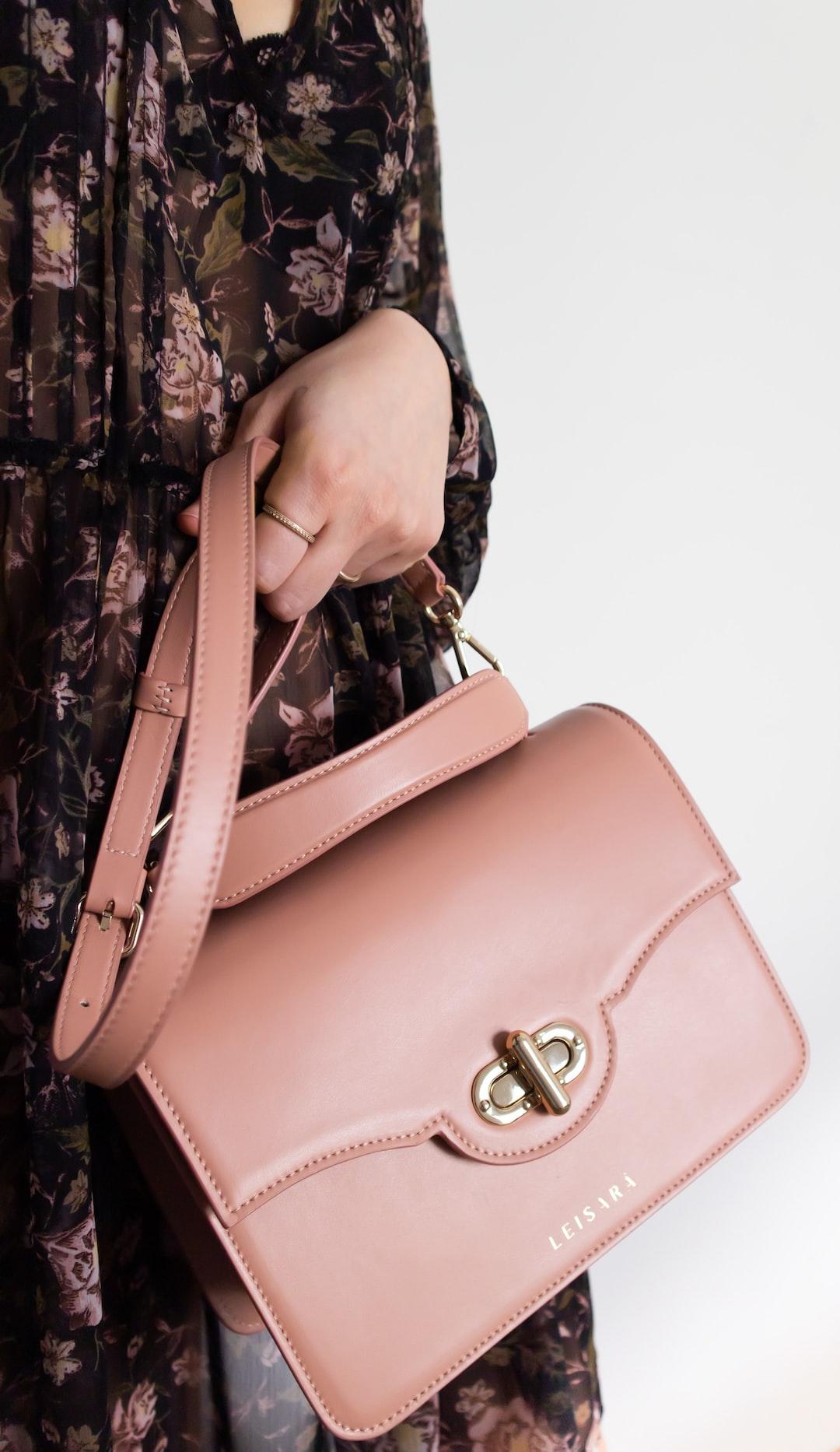 Handbag by LEISARA.com