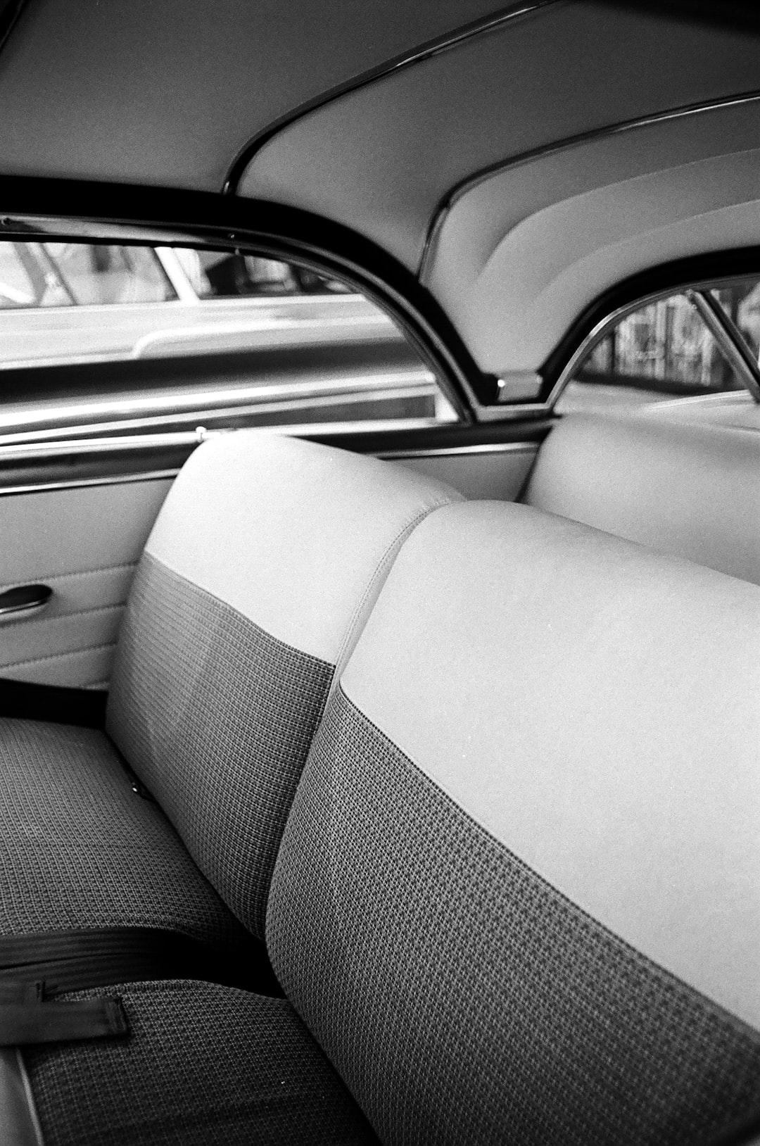 Autositze reinigen | Strahlend weiß