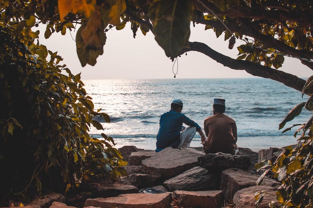Friends having good time in Kozhikode beach