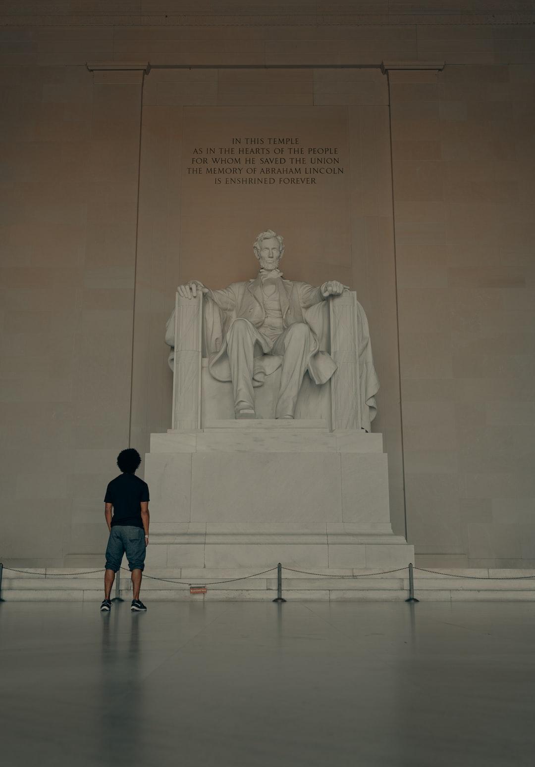 Admiring Honest Abe (IG: @clay.banks)