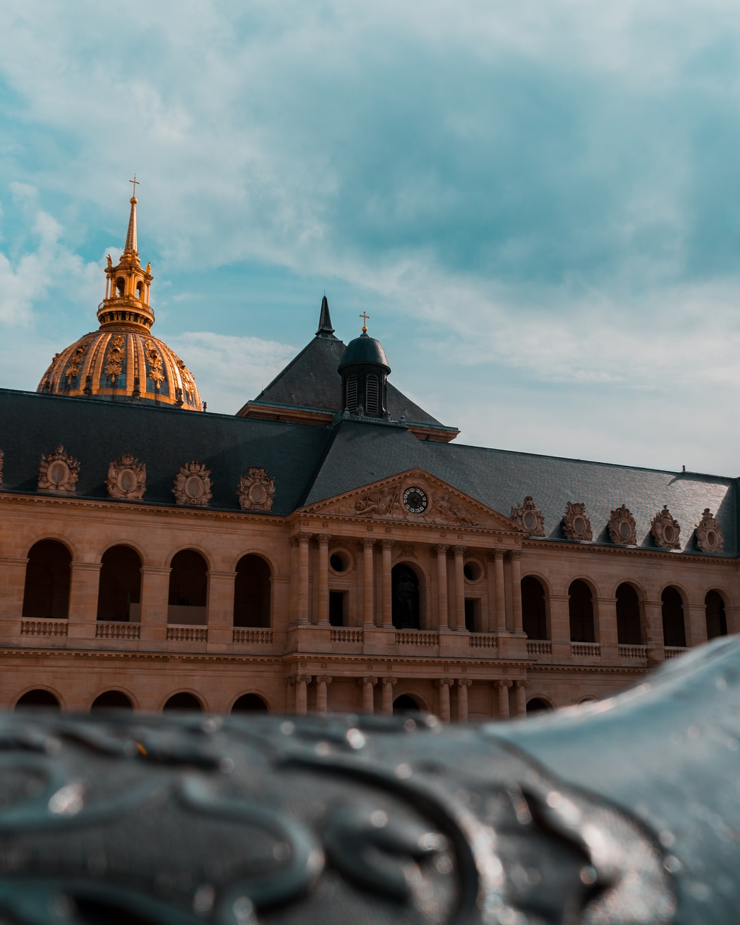 A different angle, to see this incredible place in Paris. L'hôtel des Invalides
