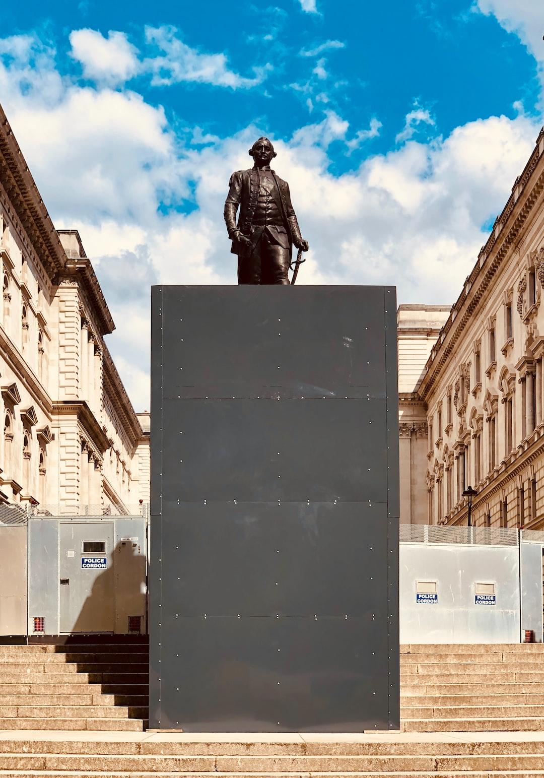 Racist statue, London.