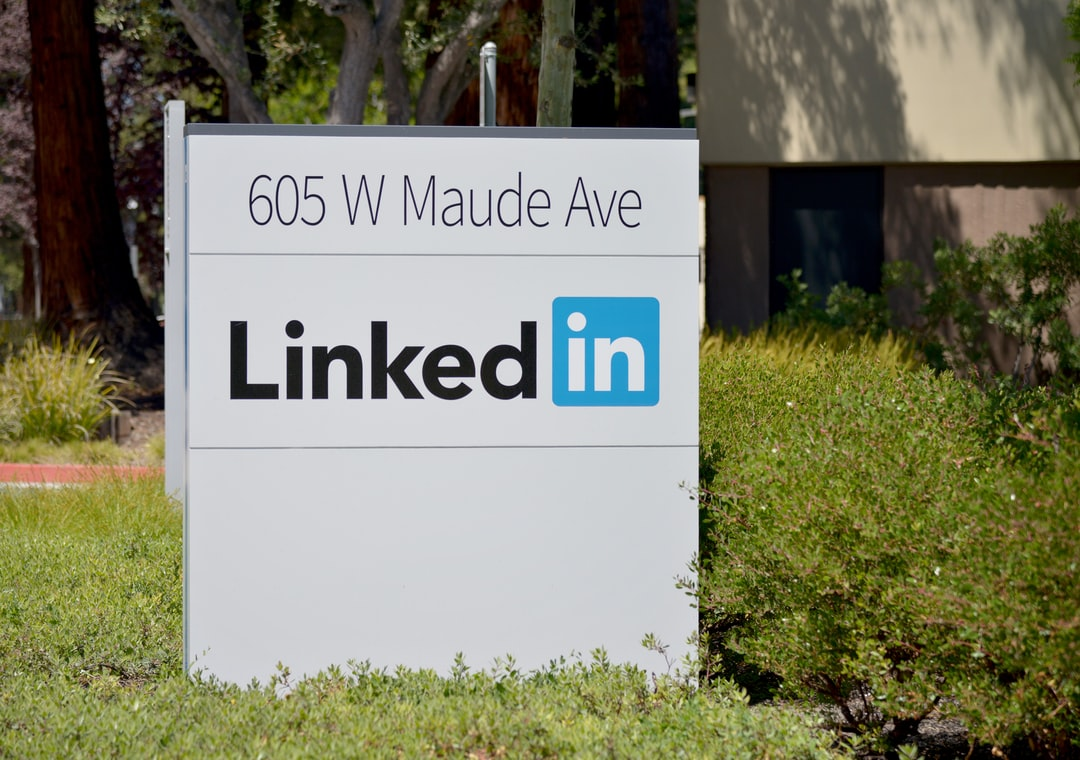 Why should financial advisors use LinkedIn