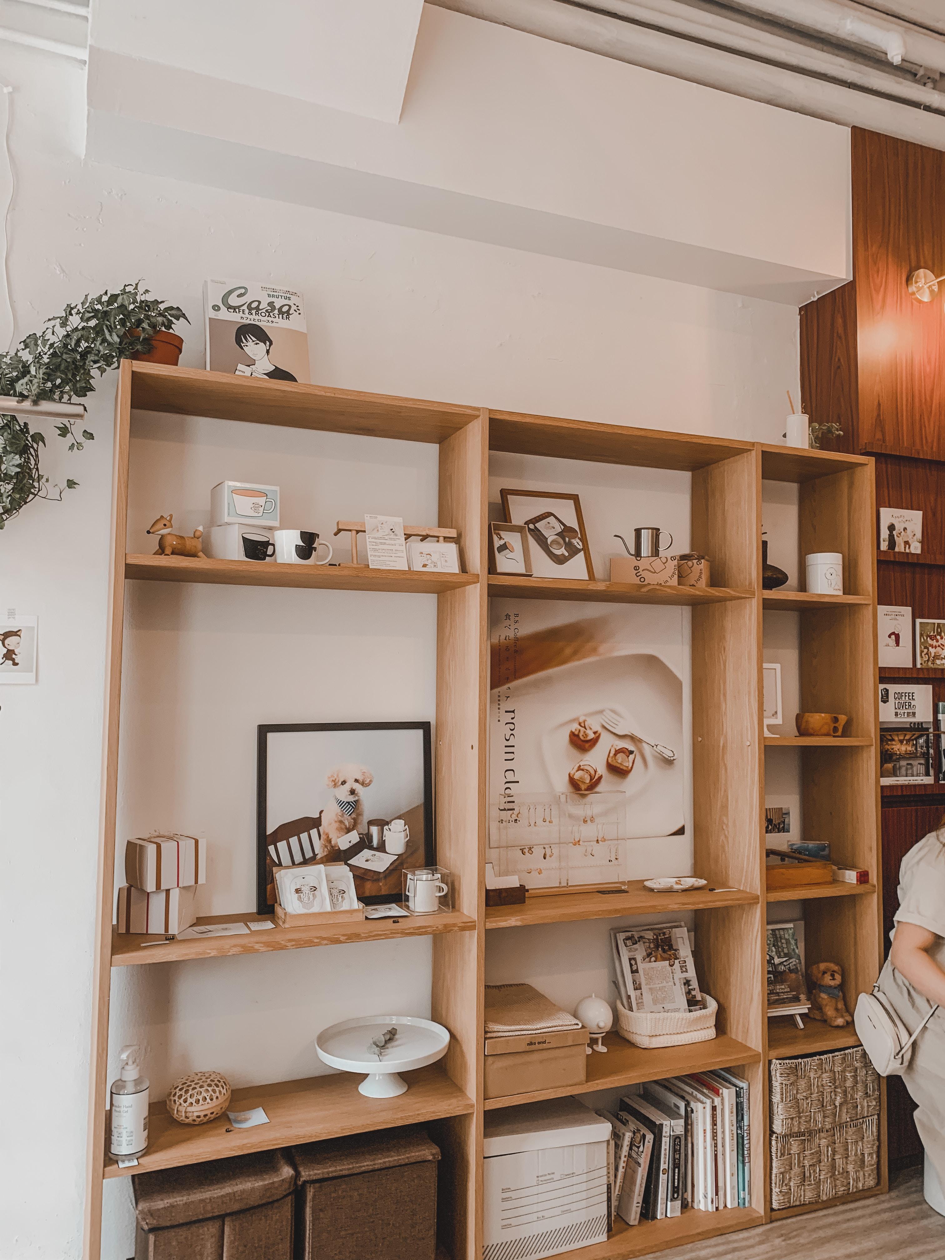 Minimalist, Japanese-styled Cafe @ Sheung Wan