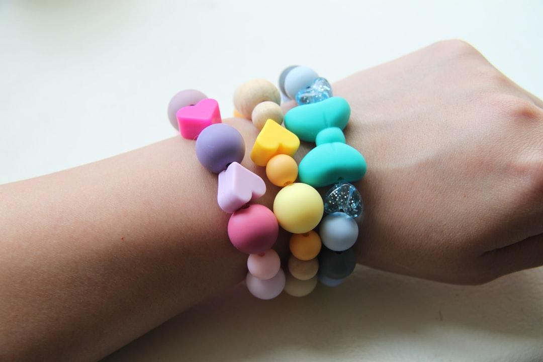 Wear Your Wrist Jewelry Right: 7 Key Tips to Styling Bracelets