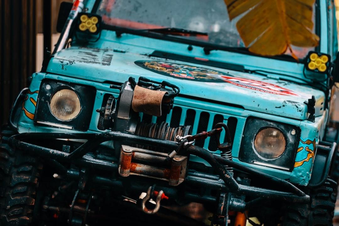 Front view of Suzuki Jimny Off Road ; MPV