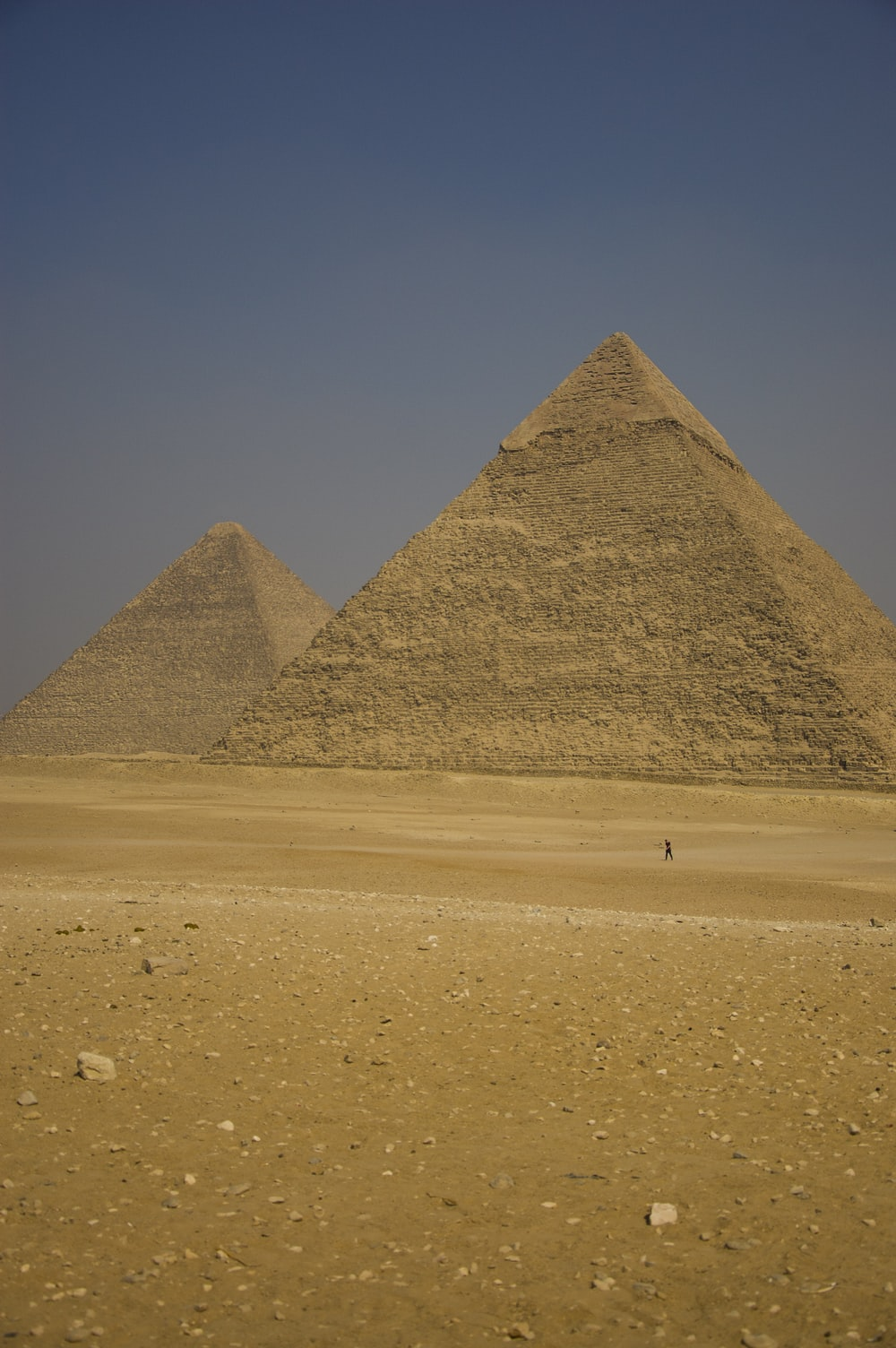 pyramid of giza in the desert