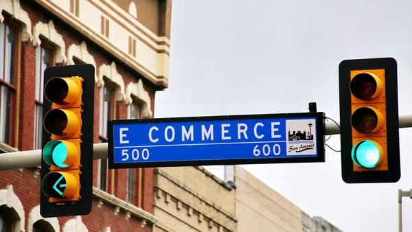 All signs on green for e-commerce? No, just East Commerce Street in San Antonio.Tip: there is also a E Commerce Street sign available with red lights (see my photo line).