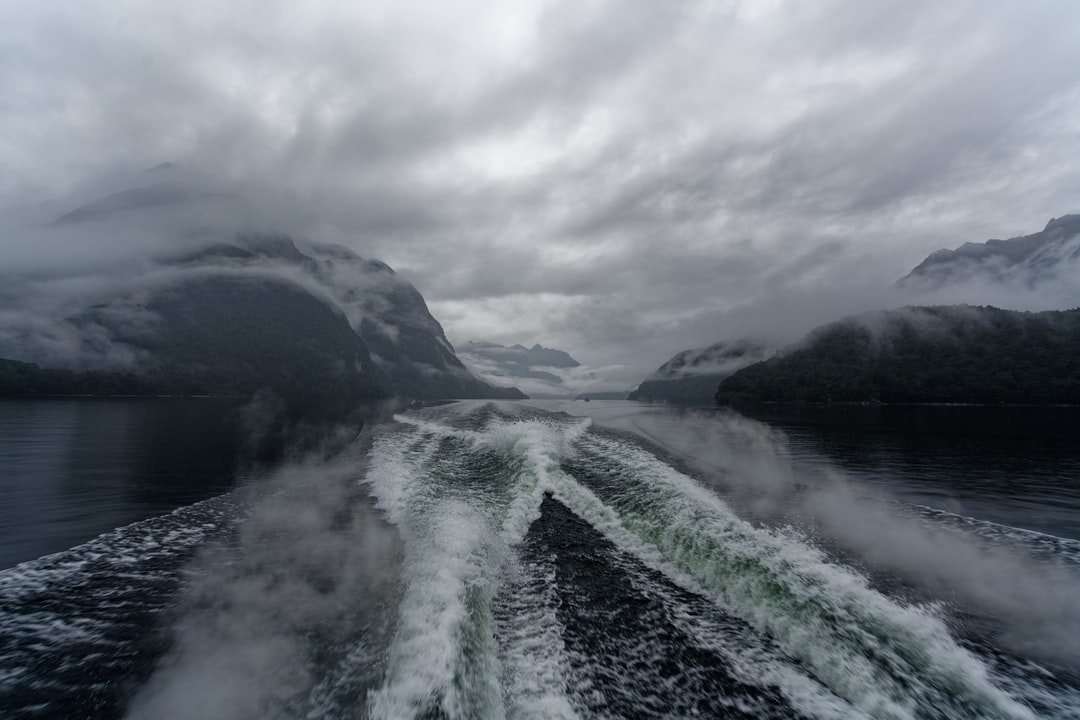 Speeding through the amazing Doubtful Sound in the Fiordland of New Zealand.