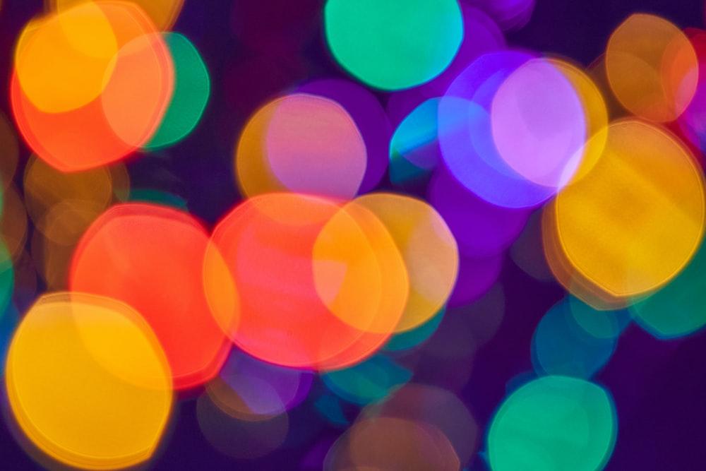 green and yellow bokeh lights