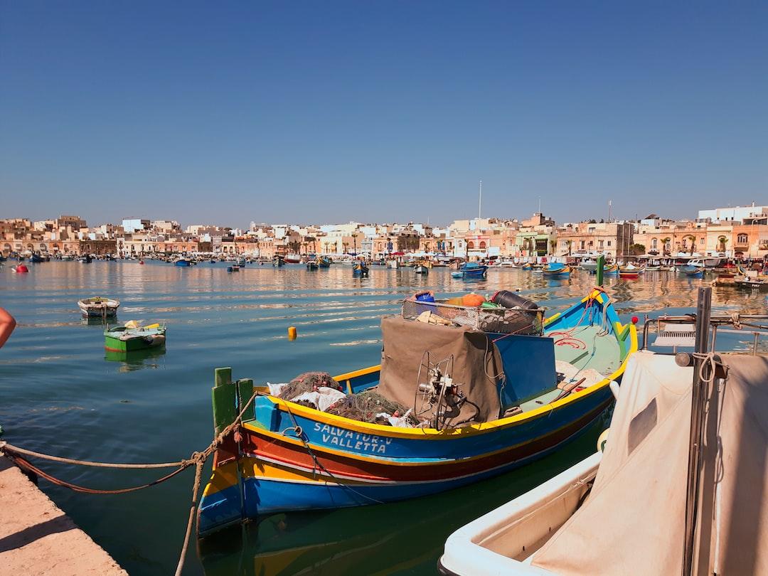 Fischerboote im Hafen von Marsaxlokk auf Malta