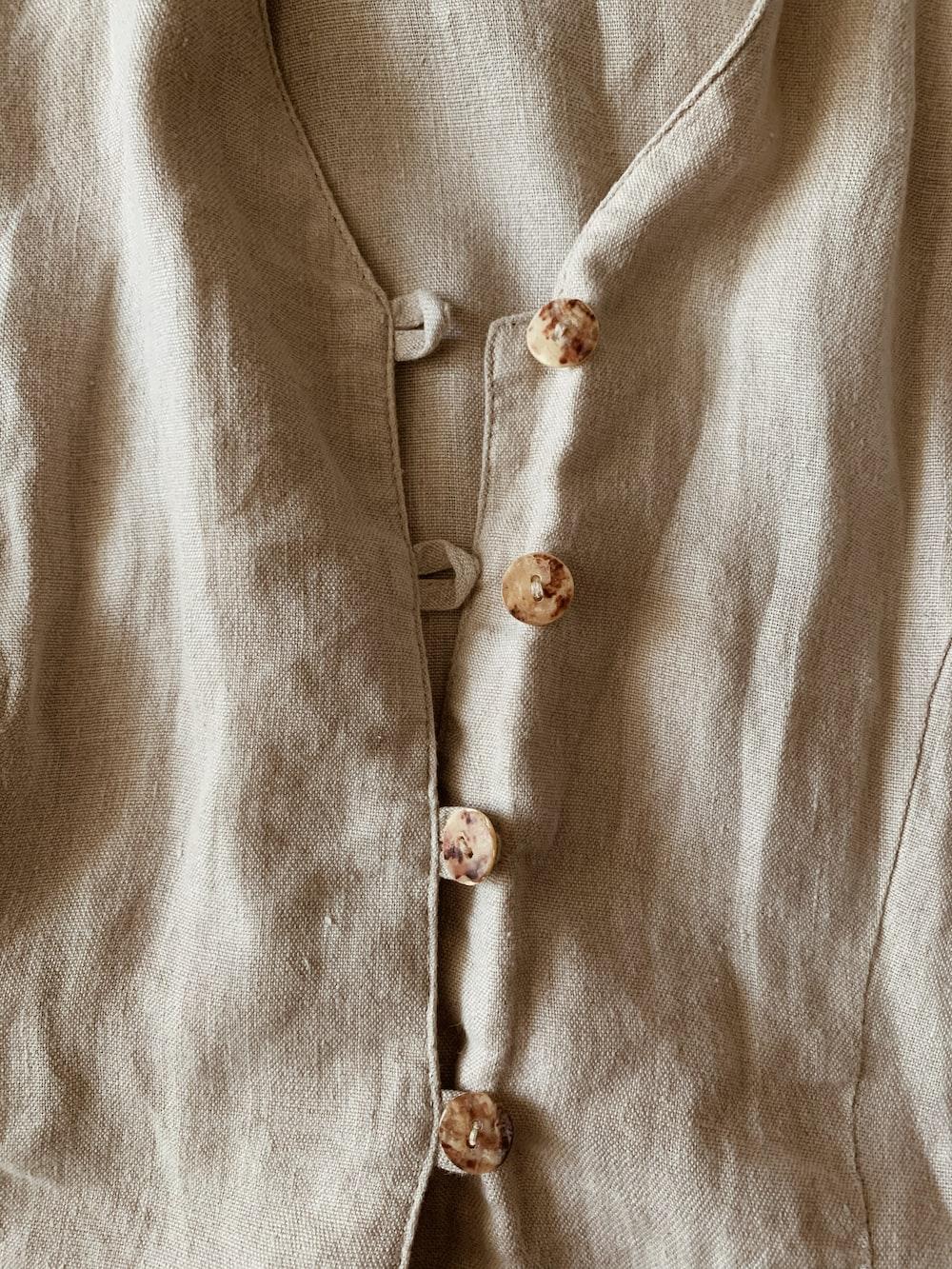 white button up dress shirt