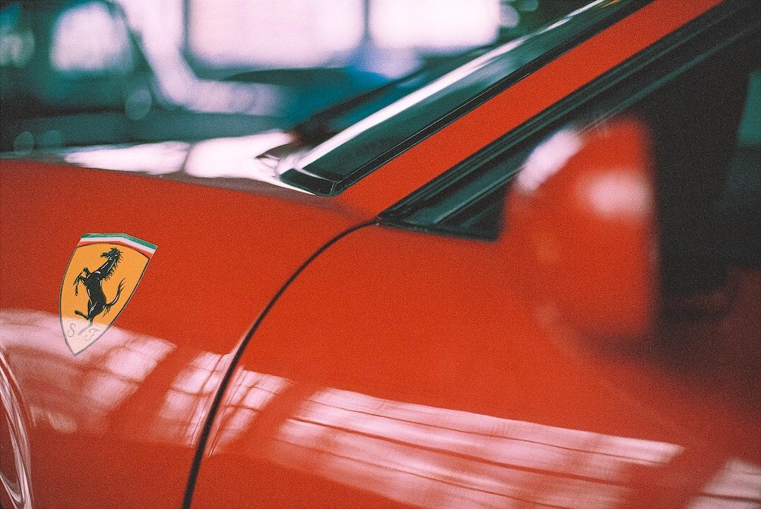 Legendary 1976 Ferrari 308 - GTB Vetroresina - Rosso Chiaro - Vintage sports car oldtimer. Made with Leica R7 (Year: 1994) and Leica Summilux-R 1.4 50mm (Year: 1983). Analog scan via nimmfilm.de: Fuji Frontier SP-3000. Film reel: Kodakcolor 200 VRplus (expired 1999)