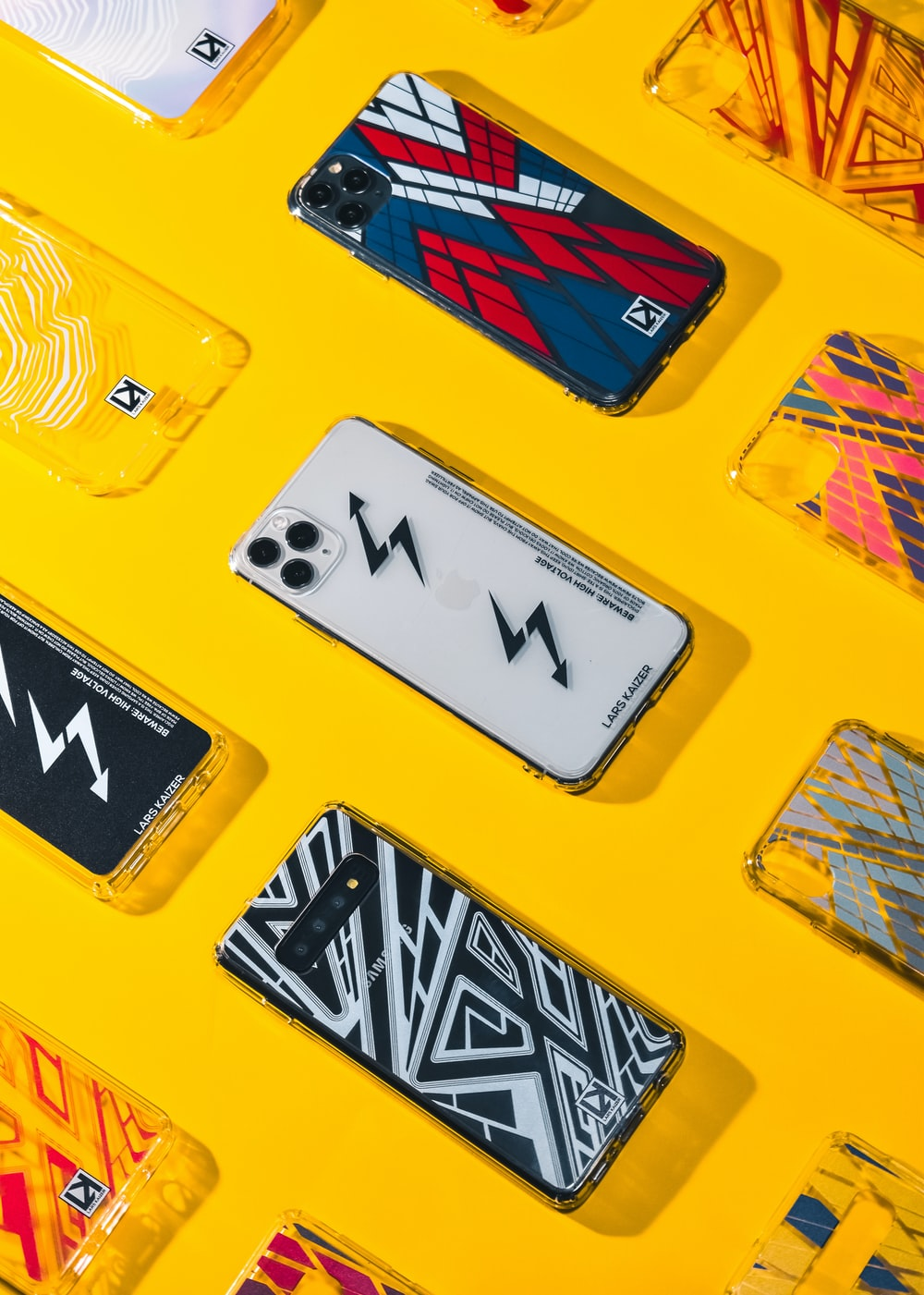 yellow and black letter m